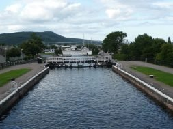 Caledonian_Canal_02