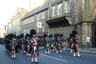 marching bagpipe band