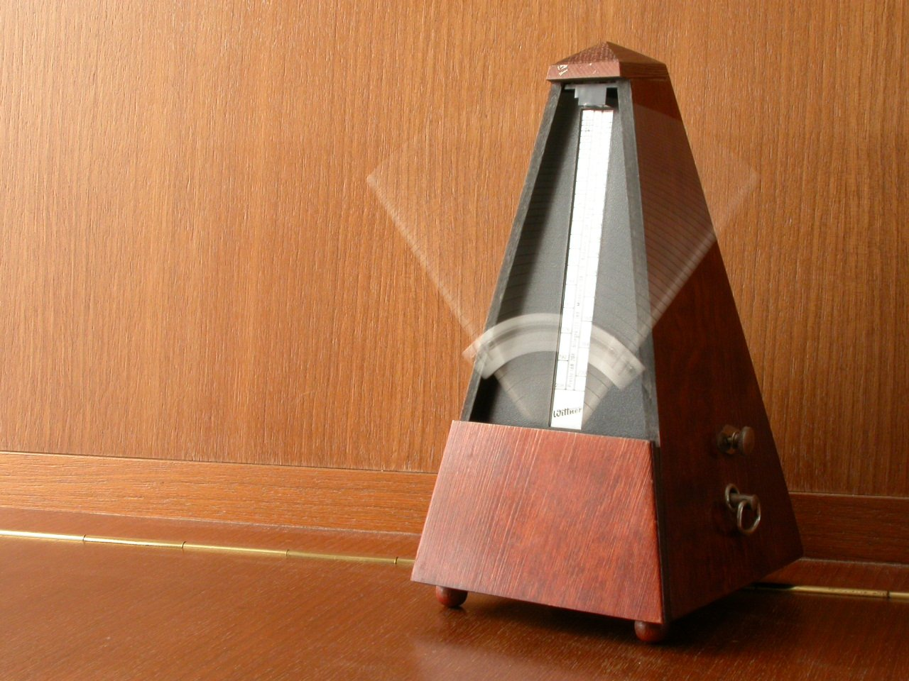 How to Use a Metronome to Improve Your Piping